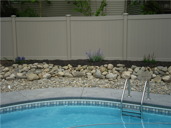 Aluminum-and-PVC-Vinyl-Privacy-Pool-Fences-Bethel-CT