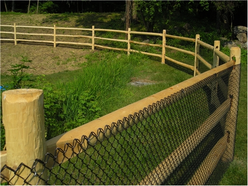 Round Rail Riverside Fence