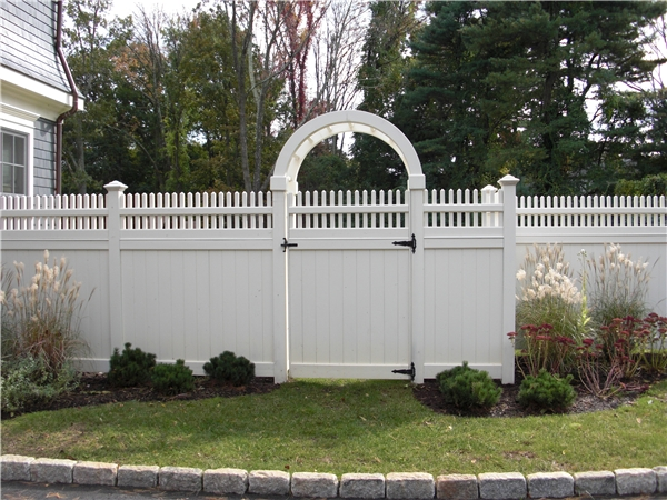 Arbors Riverside Fence