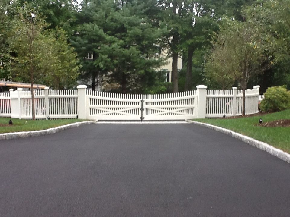 Riverside fence driveway gates and picket fence in new for Driveway gates online
