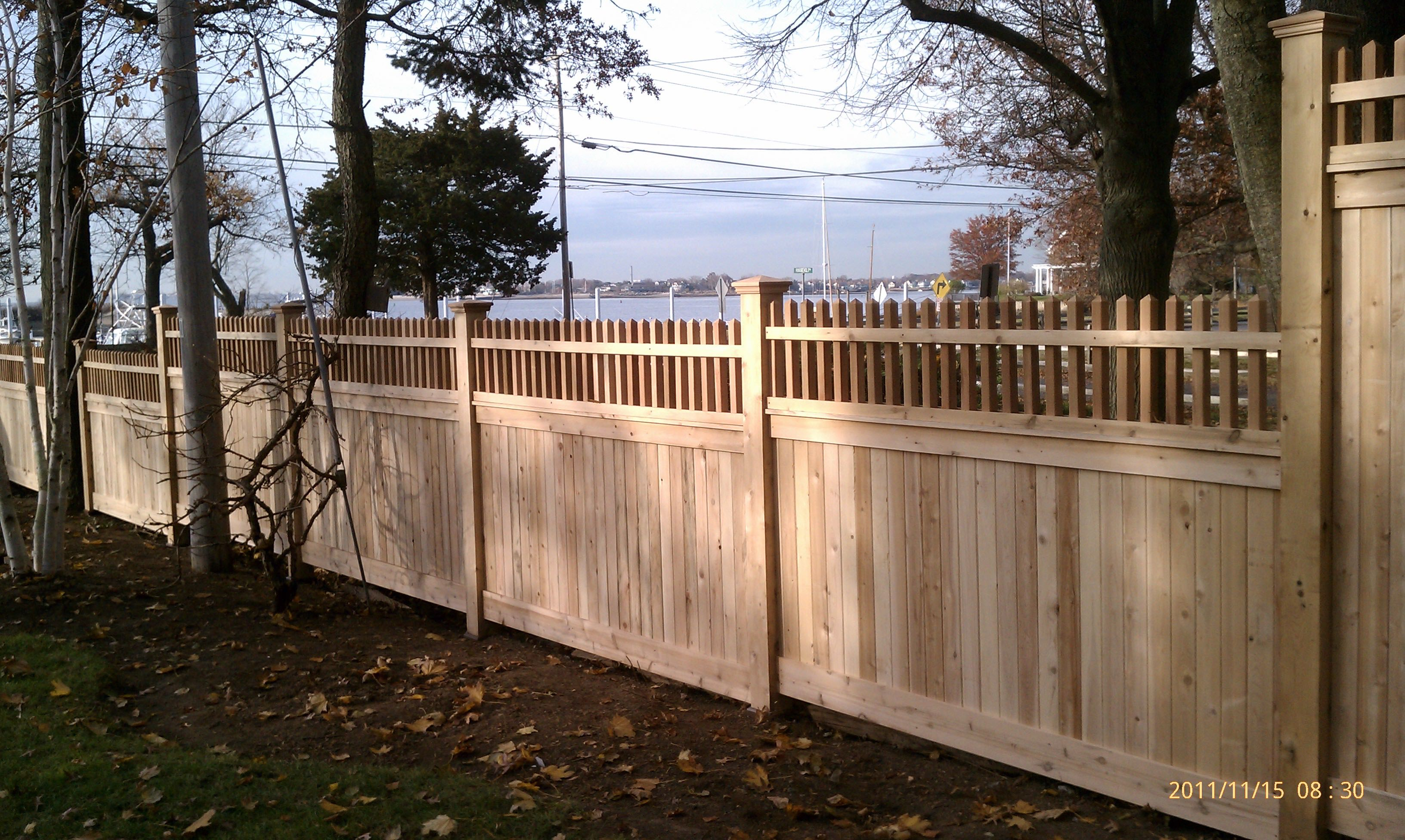 Riverside Fence 187 Solid Board W Decorative Topper