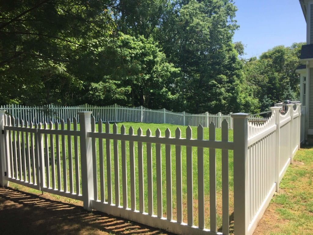 Flatboard Picket Riverside Fence