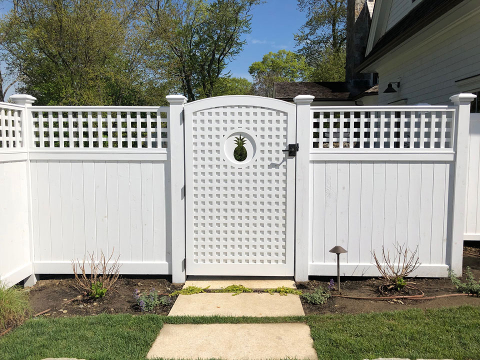 Semi Privacy Lattice Fence with Gate