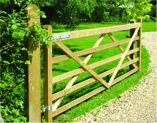english country gate riverside fence. Black Bedroom Furniture Sets. Home Design Ideas